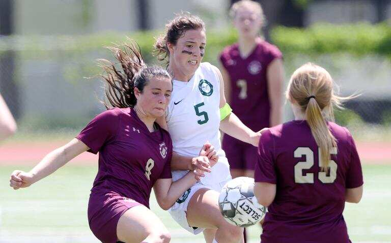 The Minot Majettes girls soccer team capped of a perfect 16-0 season on Saturday